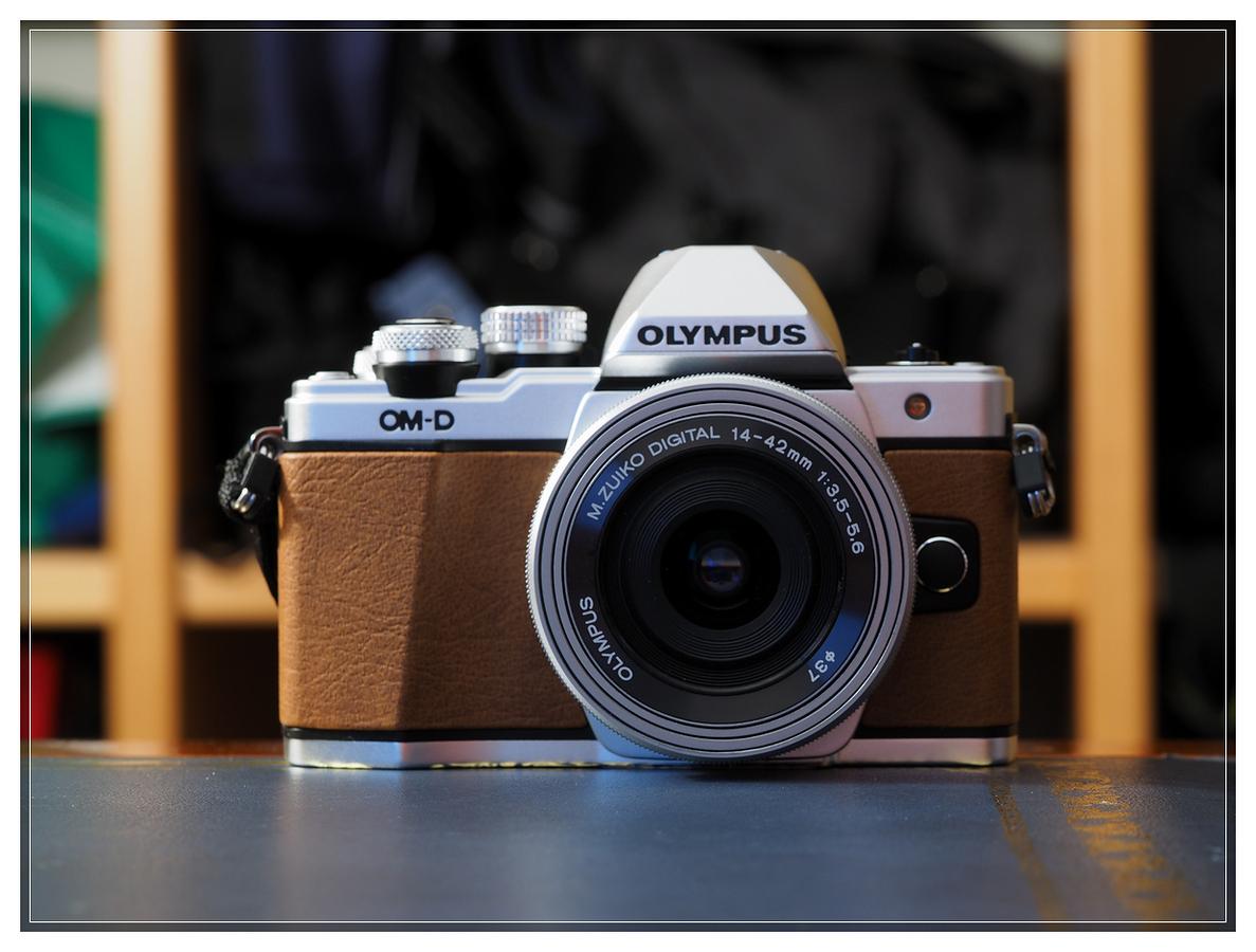 Olympus E-M10 II - Olympus 14-42 f3.5-5.6 EZ